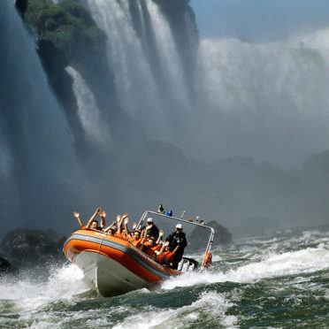 day06-iguasu-falls-boat-ride-latin-excursions