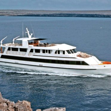 integrity-yacht-latin-excursions